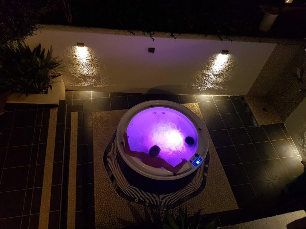 SPA et terrasse avec éclairages LED
